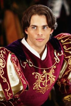 James Marsden as Prince Edward in Enchanted. He'd be a great character for a story if he wasn't such a goofball in this film.Ohh how fine he looks*. Enchanted Movie, Enchanted Prince, Disney Enchanted, Disney Princes, Disney Movies, Disney Pixar, Disney Boys, Disney Live, Beautiful Men