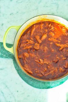 Helppo pulled pork eli nyhtöpossu - Sweet Food O`Mine Pulled Pork, Sweet Recipes, Curry, Food And Drink, Meat, Ethnic Recipes, Shredded Pork, Curries, Braised Pork