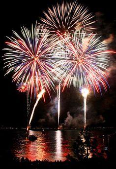 Fireworks over Lake Tahoe (© Amazing Imagery by Kurtis Rix)