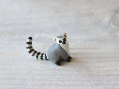Lemur totem por HandyMaiden en Etsy, $42.00