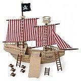 Obrovská dřevěná pirátská loď