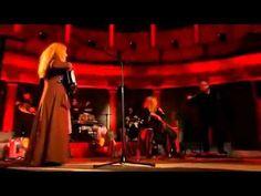 Loreena McKennitt - The Mummer's Dance (Legendado). Fantastic song. It is evocative and beautiful.
