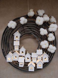 Idee sempre nuove per allestimenti natalizi Guerrini Mauro - Shop OnLine Christmas Advent Wreath, Xmas Wreaths, Christmas Love, Christmas Crafts, Merry Christmas, Yule, Navidad Diy, Xmas Decorations, Holidays And Events