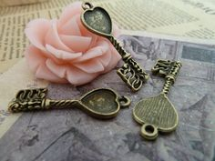 20pcs 10x10mm Antique Bronze Key with Heart Bezel Cup by JuanGao, $5.00