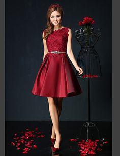 vestido de cóctel del regreso al hogar - vestido de fiesta Borgoña / jade joya corto / mini encajes / charmeuse 3726795 2016 – €97.99