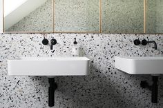 THE RETURN OF TERRAZZO With the enduring popularity of mid-century modern design showing no signs of slowing down, it comes as no surprise… 2018 Interior Design Trends, Home Decor Trends, Decor Interior Design, Interior Decorating, Terrazzo, Magazine Deco, Public Bathrooms, Small Toilet, Bathroom Plants