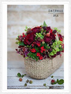#一般社団法人日本花資格協会 #日本花資格協会 #フラワーアレンジメント #フレッシュフラワー #JFLA #flower #design #ディアレイヌ #パリスタイル #flower arrangement