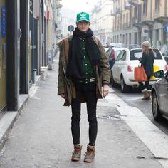 Un accessorio fondamentale per la primavera che verrà: il cappellino adidas Trucker con retina.