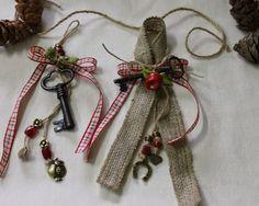 Oνειροποιείο: ΓΟΥΡΙΑ Christmas Design, Christmas Diy, Christmas Decorations, Xmas, Lucky Charm, Decor Crafts, Burlap, Charmed, Wreaths