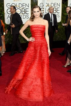 Allison Williams in Armani Privé on the 2015 Golden Globes red carpet. (Photo: Jason Merritt/Getty Images)