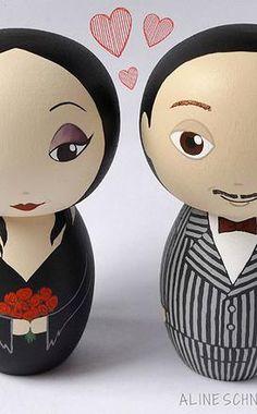Topos de Bolo Noivinhos de Madeira Personalizados - Mortícia e Gomez Addams