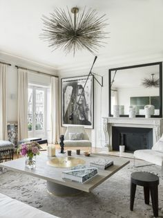 Gorgeous Modern French Interiors Pics - Home Professional Decoration Chic Apartment Decor, Parisian Decor, Apartment Chic, Apartment Decor, Modern French Interiors, French Living Rooms, Living Decor, Parisian Interior, French Interior Design