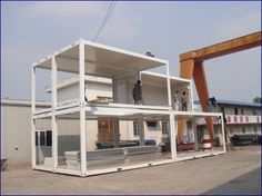 Maison conteneur construction                                                                                                                                                                                 Plus Jaguar Showroom, Container Architecture, Construction, Shipping Container Homes, Outdoor Decor, Small Houses, Design Ideas, Space, Home Decor