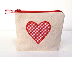 Valentine Projects We Love: Goody Bags - Sew Mama Sew Goody Bags, Treat Bags, My Funny Valentine, Valentine Day Crafts, Valentine Decorations, Sewing Patterns Free, Free Sewing, Quilting Patterns, Free Pattern