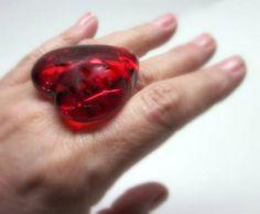 CORAÇÃO - MAXI ANEL de vidro <br>vermelho transparente <br>base metal n 22