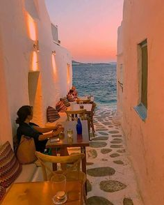Mykonos, Hellas   Photo @npsideris  Visit our blog and receive tips and information http://storelatina.com/blog