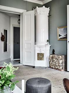 Always love those Scandinavian fireplaces