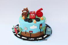 Flash McQueen Cake