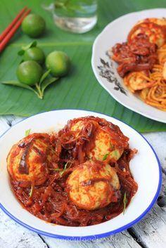 GoodyFoodies: Recipe: Sambal telur (Malaysian Egg Sambal) Read Recipe by goodyfoodies Spicy Recipes, Indian Food Recipes, Asian Recipes, Cooking Recipes, Healthy Recipes, Ethnic Recipes, Asian Desserts, Healthy Food, Wing Recipes