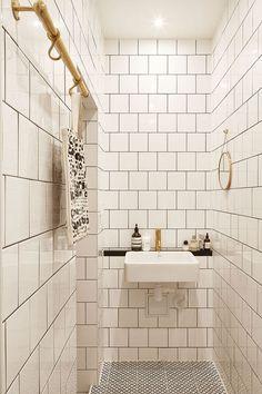 Industrial spirit in Stockholm - Home Design & Interior Ideas Diy Bathroom Decor, Bathroom Inspo, Bathroom Inspiration, Small Bathroom, Bathroom Ideas, Bathroom Hacks, Interior Inspiration, Decorating Blogs, Interior Decorating