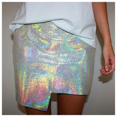 textura holografica y corte irregular. Dos tendencias!