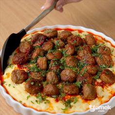 """2,884 Beğenme, 91 Yorum - Instagram'da Yemek.com (@yemekcom): """"""""Akşama hem kolay hem de doyurucu bir yemek yapmak istiyorum"""" diyenler buraya... Patatesin…"""" Turkish Recipes, Ethnic Recipes, Homemade Beauty Products, Food And Drink, Health Fitness, Beef, Instagram Posts, Foods, Meat"""