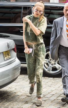 GIGI - 06/09/2017  OUT & ABOUT IN NYC