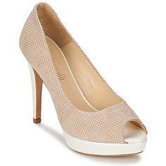 Sea cual sea tu look, combinará perfectamente con estos zapatos de tacón Gabalio de Fericelli. La marca lo confecciona con un corte en piel de color beige. La marca se atreve con este tacón de 11 cm que combina muy bien con la suela en cuero. Las fashion victim sabrán qué hacer con este zapato de tacón. #tacones #zapatos #zapatosmujer #moda #spartoo  #mujer #zapatosdetacon