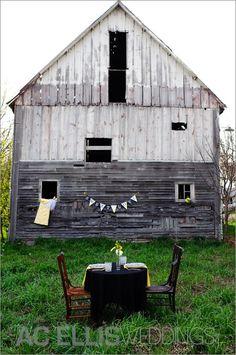 wedding sweetheart table - barn wedding  |  Design by @Melanie Anderson Wedding