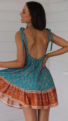 Summer Lace-Up V-Neck Pleated Print Dress herhershoes Boho Outfits, Summer Outfits, Fashion Outfits, Summer Dresses, Skirt Outfits, Dress With Boots, The Dress, Mode Hippie, Bohemia Dress