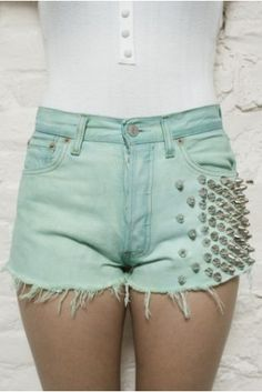 spikes and mint