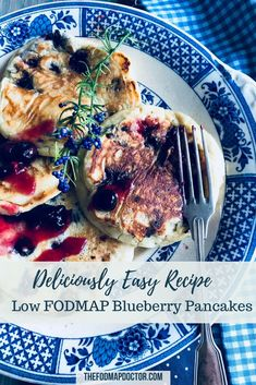 Any morning can feel like Sunday morning when you whip up a quick batch of these deliciously easy Low FODMAP Blueberry Pancakes! Healthy Meals For Kids, Easy Healthy Breakfast, Breakfast Recipes, Easy Meals, Healthy Recipes, Healthy Blueberry Pancakes, Low Fodmap, Fodmap Diet, Fodmap Breakfast