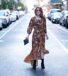 371d97763 Muito lindo esse vestido transpassado de estampa floral com babado de outro  tecido mas