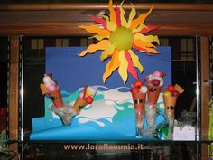 The sea: Showcase made ​​by hand using paper and cardboard...www.laraflammia.it  Write to laraflammia@gmail.com
