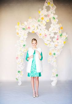15 идей свадебного декора из обёрток для капкейков
