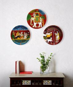Convert home rack _place marble + plant n decor Phad Painting, Mural Painting, Mural Art, Ethnic Home Decor, Indian Home Decor, Diy Home Decor, Plate Wall Decor, Plates On Wall, Hand Painted Plates