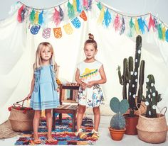 Billieblush catálogo de moda para niñas primavera-verano. Conoce y compra online las maravillosas colecciones de esta gran marca. Vestidos, faldas, camiseta