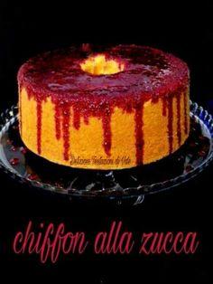 Chiffon Insanguinata (Zucca e Lamponi) American Cake, Angel Cake, Chiffon Cake, Creative Food, Cake Cookies, Cake Recipes, Cheesecake, Good Food, Cooking Recipes