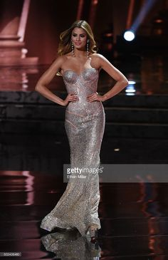 Miss Colombia Ariadna Gutierrez Arevalo, competes in the evening gown competition during the 2015 Miss Universe Pageant at The Axis at Planet Hollywood Resort & Casino on December 2015 in. Columbia, Miss Universe 2014, Miss Colombia, School Dance Dresses, Perfume, Beauty Pageant, Pageant Dresses, Formal Gowns, Plus Size Dresses
