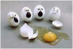 Funny Egg Art Pics] - Collection of 20 funny and cool pictures showing feeling on eggs. Funny Egg Designs with lots of humor. Funny and Crazy Pictures, funny videos, flash games Funny Easter Jokes, Funny Easter Eggs, Funny Eggs, Happy Easter Bunny, Easter Stuff, Art D'oeuf, Humpty Dumpty, Very Funny, Super Funny
