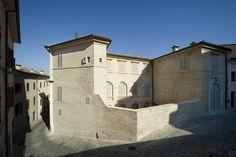 Restauro e risanamento conservativo di Palazzo Barilari, Ancona, 2012 - Mondaini Roscani Architetti  Associati