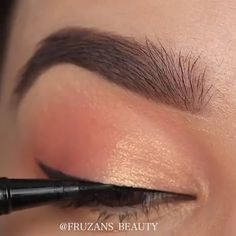 Eye Make Up – makeup tutorial for beginners for teens Smoke Eye Makeup, Makeup Eye Looks, Eye Makeup Steps, Beautiful Eye Makeup, Natural Eye Makeup, Eyebrow Makeup, Skin Makeup, Eyeshadow Makeup, Best Makeup For Contouring