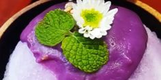 Cafe Bora in Seoul specializes in purple desserts.