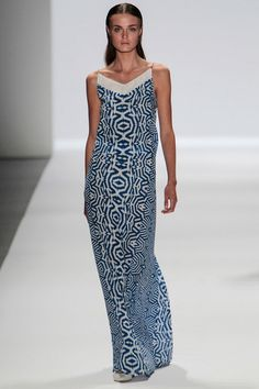 See all the Collection photos from Richard Chai Love Spring/Summer 2014 Ready-To-Wear now on British Vogue Ny Fashion Week, Fashion Line, Fashion Show, Fashion Looks, Fashion Design, Simply Fashion, Women's Fashion, Vogue, Mode Chic