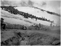 The 1957 Pikes Peak Hill Climb still had massive snow fields above timberline Vintage Racing, Vintage Cars, Vintage Auto, Hill Climb Racing, Living In Colorado, Old Images, Pikes Peak, Dirt Track, Colorado Springs