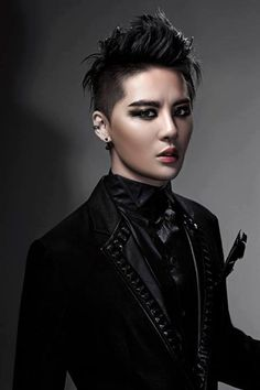 "★ Junsu is coming back as ""Death"" of musical ""Elisabeth"" BOW CHIC WOW WOW"