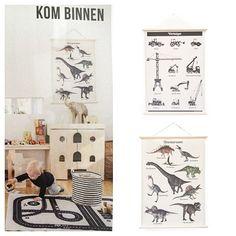 Vandaag in de @flair_nl deze leuke schoolplaat met dinosaurussen. Deze en anderen ook te koop bij Soet&Co. voor €24,95  Link in bio #kidsroom #schoolplaat  #instahome