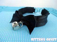 Simple black on black pleated kitten play collar