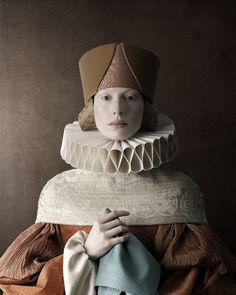 This Renaissance portrait is part of photo project called created by Swiss/Italian photographer Christian Tagliavini. Portrait Renaissance, Renaissance Paintings, Italian Renaissance, Elisabeth I, Tableaux Vivants, Art Photography, Fashion Photography, Creepy Photography, Artistic Photography