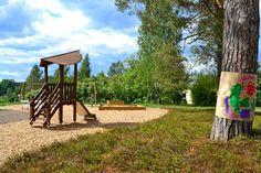 Puunväriset leikkivälineet sekä leikkialueen pinnoitteena käytetty luonnonmukainen turvahake istuvat hyvin ympäristöön, jossa leikkialue rajautuu metsään tai muuhun luonnontilaiseen ympäristöön 🌲🌳 Kuvan leikkialue sijaitsee Korpilahdella.  #viheraluesuunnittelu #maisemasuunnittelu #viheralue #leikkipaikka #leikkipuisto #leikkialue #luonnossa #viherteema #viherteemaoy #korpilahti #jyväskylä #keskisuomi #suomi #finland Plants, Instagram, Plant, Planets